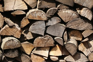 wood-for-the-fireplace-735436_960_720